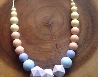 Lea Teething Necklace