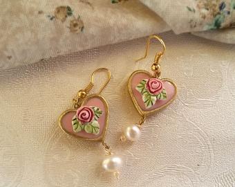 Vintage style wedding earrings. Dangle  heart earrings, pink dangle earrings. pearl earrings, rose earrings. braidesmaid earrings.