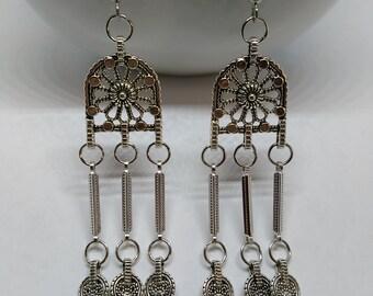 Silver Idol Earrings