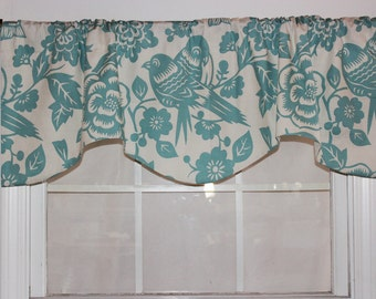 Love Birds Shaped Valance in light turquoise