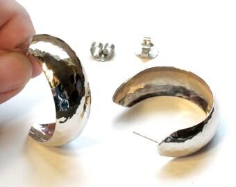 Avon Hammered Hoop Earrings ~ Wide Silver Large Hoop Post Earrings ~ Textured Silvertone - Vintage 1995