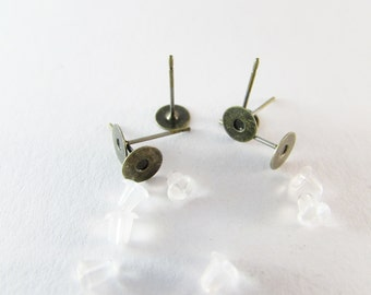 Earstud ant. Bronze 6mm tray