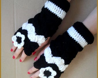 Fingerless gloves crochet wool black and white with matching flower