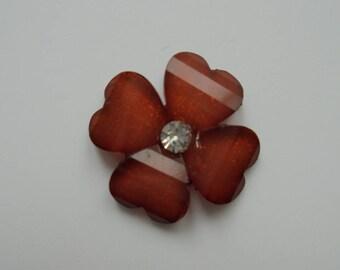 fleur en résine avec strass au centre 20 mm marron moyen