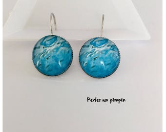 """Earrings"" ripples """