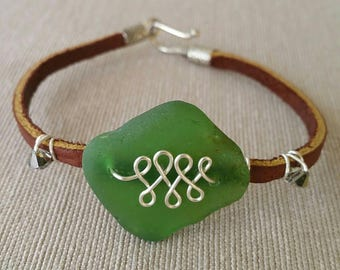 Sea glass bracelet, wire-wrapped leather bracelet, Beach glass bracelet, Wire wrapped bracelet, Leather bracelet