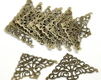 10 connectors triangle filigree Bronze 5x3.2cm