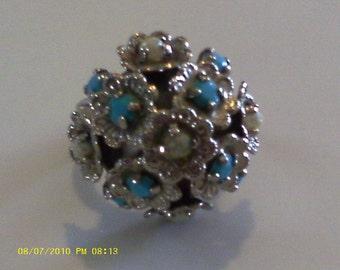 Pretty Bouquet  /Vintage Ring