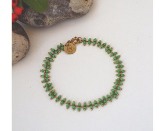 Bracelet, à Mini Perles de Rocaille Vertes, finitions dorés