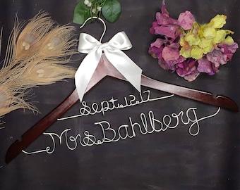 Wedding Hanger for Bride or Bridesmaid, Personalized Wedding Hanger, Bridal Hanger, Gift for Her, Gift for Engagement, Custom Bridal Hanger