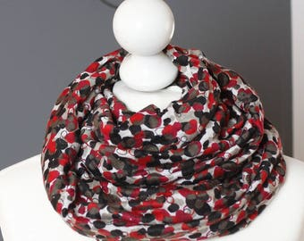 Infinity scarf // circle scarf //  Snood in black red peas