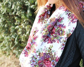 Infinity Scarf, Floral Scarf, Chunky Scarf, Knit Scarf, Gift for her, Gift, Fall finds, accessories, for her