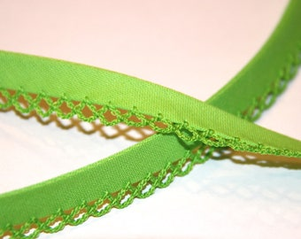 SURROUNDED BY 12MM POLYCOTTON BIAS WHICH LACE GREEN