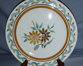 """ARABIA Suomi Finlandia Made in Finland 9 1/4"""" Dinner Plate Floral Center"""
