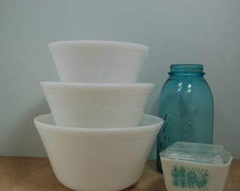 White Federal Glass Mixing Bowls Set of Three