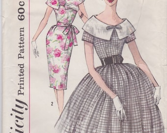 Vintage 1960s Simplicity Sewing Pattern 3422 / Misses Dress with Large Collar and Two Skirts / Size 12 Bust 32