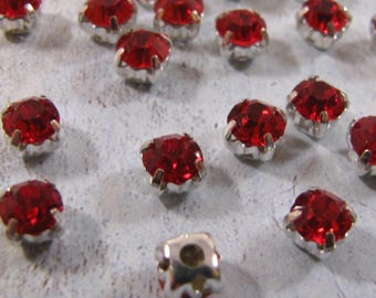 Chaton Montees - Light Siam/Red (4mm or 5mm)