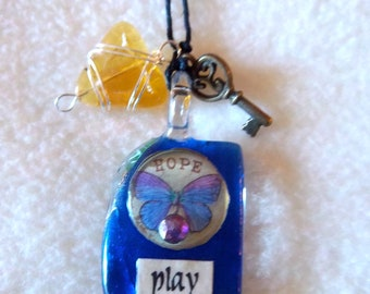 Play / Treasure Healing Art Necklace, No.11
