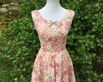 Pink 50's Floral Dress // Medium // 6 // Sequined // Party Dress // Garden Party // 8 // Fit and Flare // Large