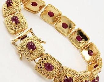 7 CT Cabochon Ruby Gold Bracelet 001