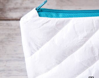 make up bag, cosmetic bag, tyvek bag, eco bag, pencil case, quilted bag,