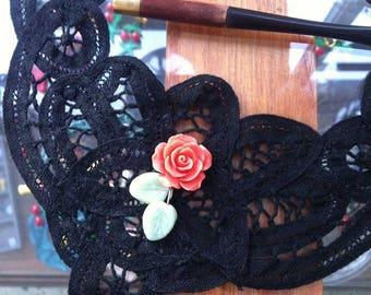 burlesque lace necklace