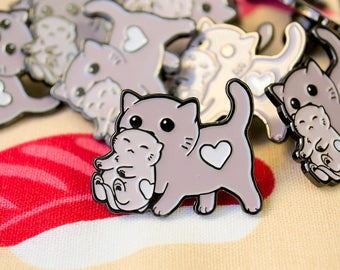 Mommy Cat Enamel Pin / Lapel Pin / Jewelry / Badge