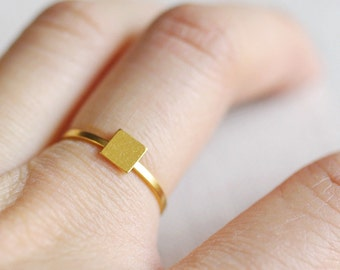 simple square ring . tiny square ring . square stacking ring . stackable square ring . geometric jewelry . minimalist ring