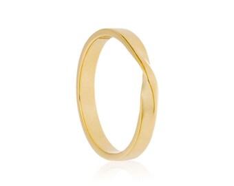 14K Gold Mobius Ring, Twisted Wedding Ring, 14K Gold Twist Wedding Band, Recycled 14K Gold, Twisty Ring