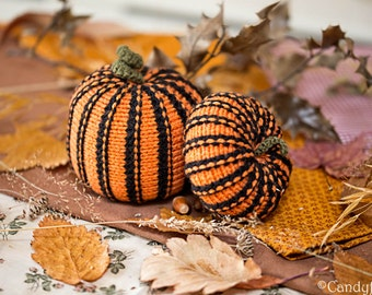 Pumpkins decor, Halloween gifts for teachers, Knitted pumpkin ornament, Halloween decor Wool pumpkins for centerpieces Miniature pumpkin