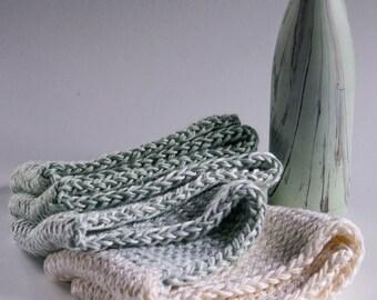 Vegan handknit scarf  Offwhite+Green  / scarf / KIEREN // Leeks alike  Unisex  Amazingly soft  Soy+Acrylic