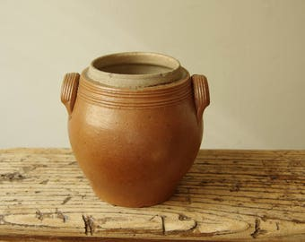 Vintage French confit pot.  French Country Kitchen Stoneware.  Farm House crockery. Rustic Earthenware.  Retro Pottery. Utensils pot.