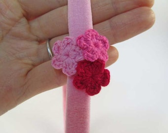 Trio de Crochet - Pink Grapefruit Headband // Crochet Flower Cluster Headband // Infant Headband // Newborn Photo Prop