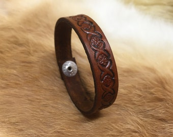 Stamped bracelet with flower design - floral leather cuff - handcrafted by A9 Design