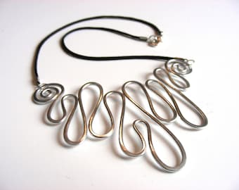 MELTED - Hammered Wire Necklace - Choose Your Own Color