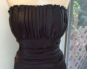 Vintage elegant black strapless evening gown sz 14, Medium/Large corset style long black formal dress, ruched bodice bust black gown sz Lg