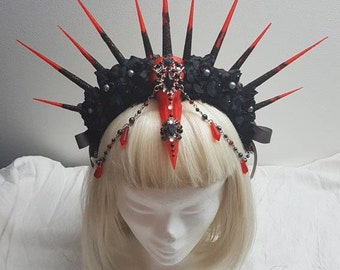 Divine skull headress black, red and silver