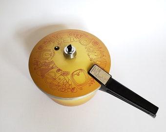 Presto Deluxe Vintage Pressure Cooker   |  4 Quart Golden Harvest Cooker  |  Mustard Yellow Kitchen Appliance  |  Cute Kitchen Pattern