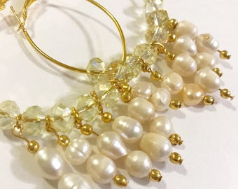 Screens plated in gold with precious pearls.
