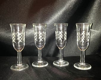 Aperitif Glass Set of 4/Vintage aperitif Etched Glass Set of 4/Stem Aperitif Glass 4 1/8""
