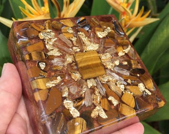 "Kika Tiger Eye, Scapolite and Gold Orgone Charging Plate (4"" square)"
