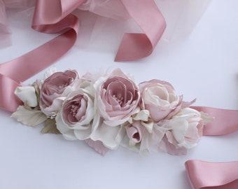 Dusty Blush pink flower sash, Floral sash belt, Rustic wedding sash belt with fabric flowers, Bridal Blush Flower Belt, Roses garden sash