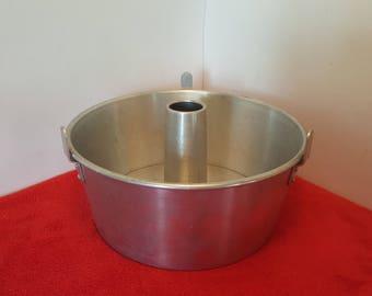 vintage mirro cake pan / angel food cake pan / 5394M / removable bottom aluminum cake pan, bundt cake pan