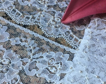 2 yard  WHITE VINTAGE  LACE   -  With Pearls