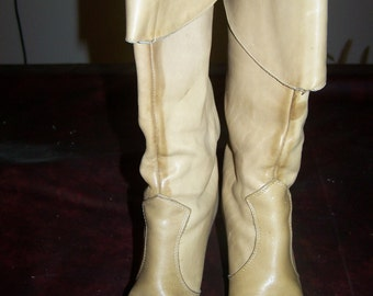Vintage 1970s Zodiac Women's pull up knee high boots, size 5-1/2M, leather vanilla