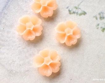 13 mm Peach Morning Glory Resin Flower (.sm)