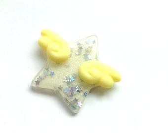 Pastel Kei Yellow Star Hair Clip or Brooch, Kawaii Angel Wings, Winged Star, Kawaii Brooch, Fairy Kei Hair Clip, Mahou Shoujo, Harajuku