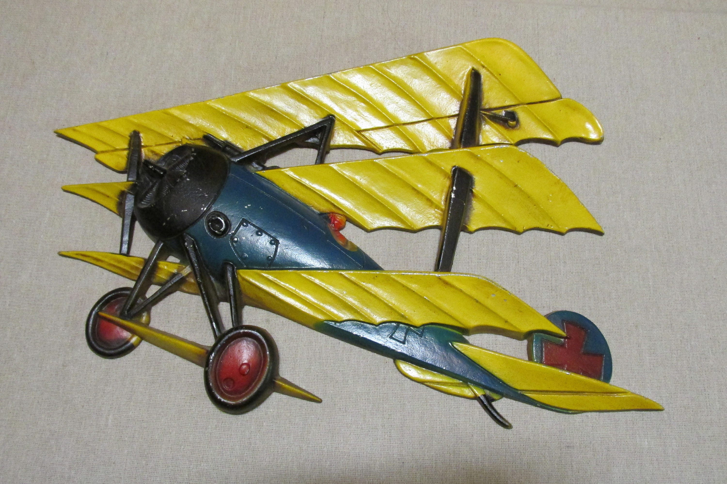 Vintage 1970\'s Sexton WWI Triplane Airplane Red Baron Cast