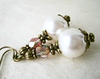 Ivory Pearl Earrings, Pearl Bridal Earrings, Victorian Wedding Earrings, Pearl and Crystal, Pearl Bride Jewelry, Cream Wedding Jewelry