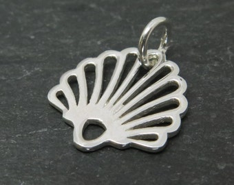 Sterling Silver Seashell Pendant 15mm